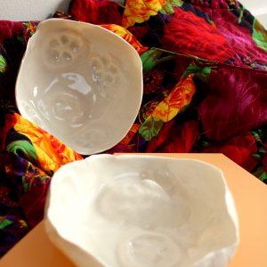 Karaktervol porselein gemaakt tijdens de workshop porsleein